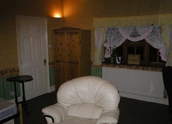 Thumbnail Room to rent in Grove Road, Chelmsford