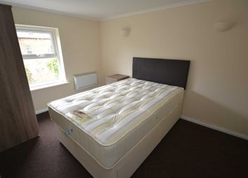Thumbnail 1 bed flat to rent in Vachel Road, Reading, Berkshire