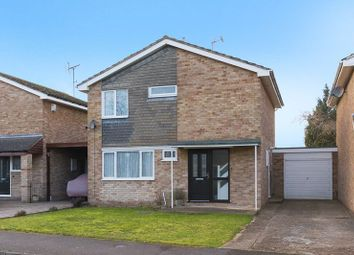 Thumbnail 3 bed detached house for sale in Rosebay Crescent, Grove, Wantage