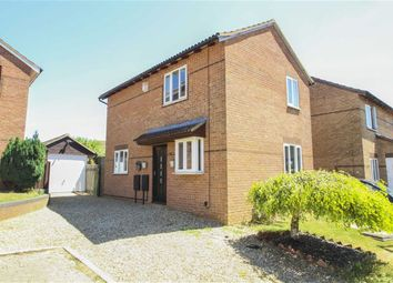 Thumbnail 3 bedroom detached house to rent in Hexham Gardens, Bletchley, Milton Keynes, Bucks