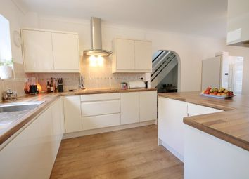 Thumbnail 6 bed detached house for sale in Smollets, East Grinstead