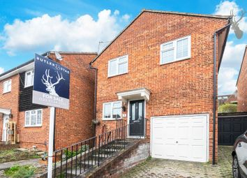 3 bed property for sale in Meadow Close, London E4