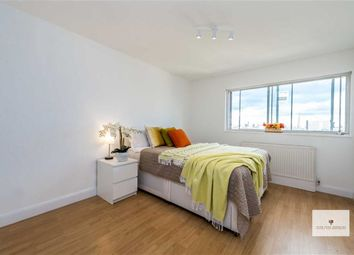 Thumbnail 1 bed property to rent in Queensway, London