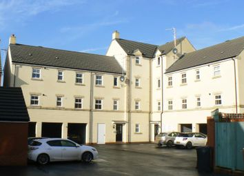 Thumbnail 2 bedroom flat to rent in Cloatley Crescent, Royal Wootton Bassett