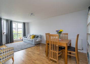 2 bed flat for sale in Cheltenham Court, Dexter Close, St. Albans, Hertfordshire AL1