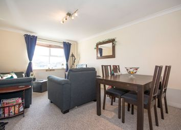 Thumbnail 2 bed flat to rent in Faclcon Road, Clapham Junction