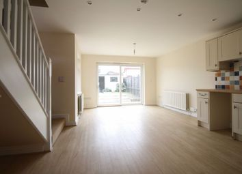 Thumbnail 2 bed detached house to rent in Vauxhall Road, Hemel Hempstead