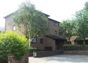 Thumbnail 1 bed flat to rent in Farrow Place, Surrey Quays