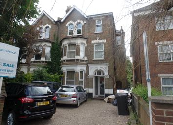 Thumbnail 1 bed flat to rent in Coombe Road, South Croydon