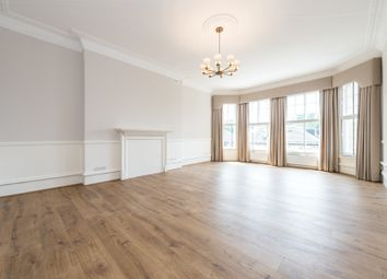 Thumbnail 4 bedroom flat to rent in Earls Court Road, Earls Court, Gloucester Rd