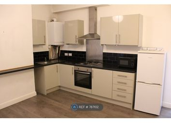 2 bed flat to rent in Cross Street, Sale M33