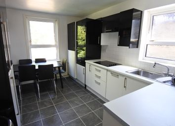 3 bed flat to rent in Villiers Road, Willesden NW2