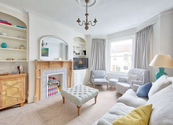 2 bed maisonette to rent in Daphne Street, London SW18