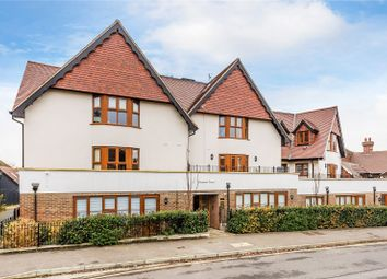 2 bed flat for sale in Hoskins Road, Oxted, Surrey RH8