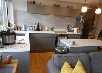 Thumbnail 2 bed flat to rent in Amsterdam Road, Docklands London., Isle Of Dogs