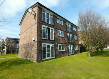 Thumbnail 1 bedroom flat to rent in Borough Avenue, Wallingford