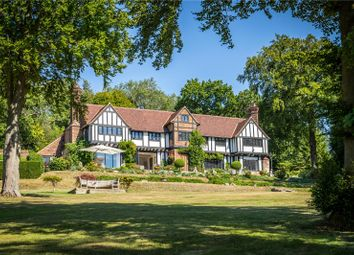 The Ridge, Woldingham, Caterham, Surrey CR3. 5 bed detached house