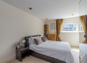 Thumbnail 1 bed flat for sale in Howard Building, Chelsea Bridge Wharf, London