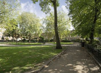 Arbour Square, London E1. 1 bed flat