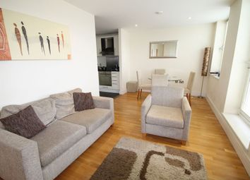 Thumbnail 1 bed flat to rent in 73A Drayton Park, Islington, London