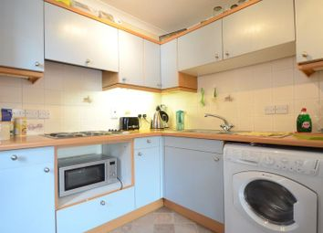 Thumbnail 1 bed flat to rent in Dale Road, Reading