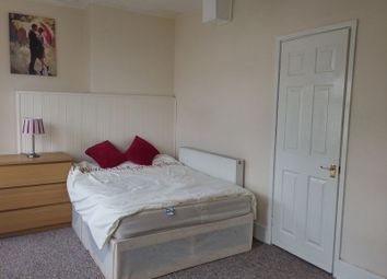 Thumbnail Room to rent in Double Ensuite Room, Clift House Road, Ashton Gate