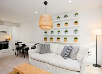Thumbnail Flat to rent in Curtain Place, London