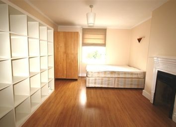 Thumbnail Studio to rent in Madeira Road, London