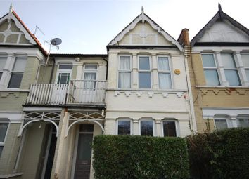 Thumbnail 2 bedroom flat for sale in Squires Lane, Finchley
