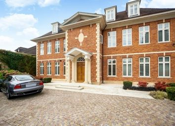 Thumbnail 4 bed flat to rent in Lawson Close, Wimbledon