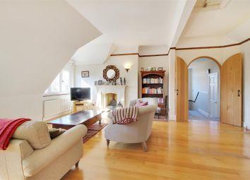 Thumbnail 3 bedroom flat for sale in Linden Chase, Sevenoaks
