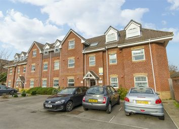 Thumbnail 2 bedroom flat to rent in Salisbury Close, Eastleigh, Hampshire