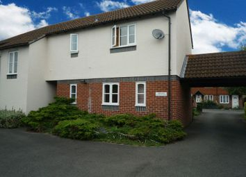 Thumbnail 1 bed flat to rent in Fludger Close, Wallingford