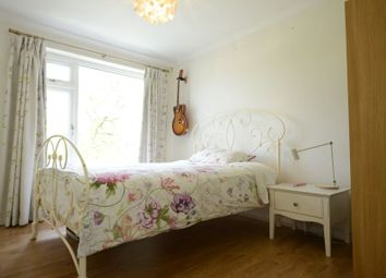 Thumbnail Room to rent in Oaktree Way, Sandhurst