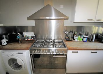 2 bed maisonette to rent in Warwick Road, New Barnet, Barnet EN5