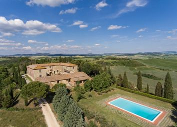 Thumbnail 8 bed villa for sale in Pienza, Tuscany, Italy