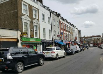 Thumbnail 3 bed flat to rent in Brecknock Road, Tufnell Park / Kentish Town, London