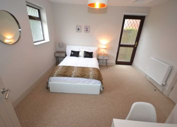 Thumbnail Room to rent in Chiltern Crescent, Reading, Berkshire, - Room 3