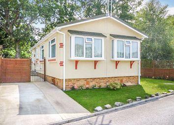 2 bed mobile/park home for sale in Oak Tree Park, St. Leonards, Ringwood BH24