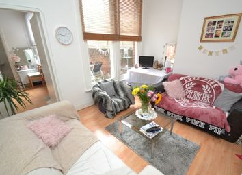 Thumbnail 1 bed flat to rent in Oakwood Avenue, Leeds