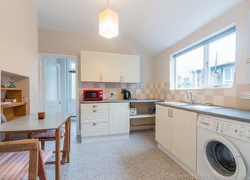 2 bed maisonette to rent in Aylesbury Road, London SE17