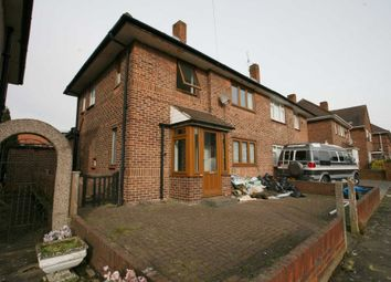 4 bed semi-detached house to rent in Mendip Road, Ilford IG2