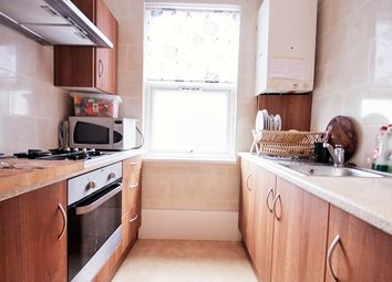 Thumbnail 4 bed flat to rent in Commercial Road, Whitechapel