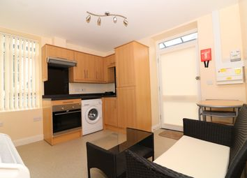 Thumbnail 1 bed flat to rent in Highfield Road, Dartford