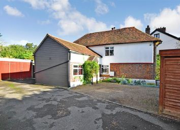 Loose Road, Maidstone, Kent ME15. 3 bed detached house