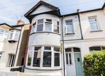 Thumbnail 1 bed flat for sale in Southview Drive, Westcliff-On-Sea