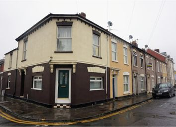 Thumbnail 2 bedroom flat for sale in Green Street, Cardiff