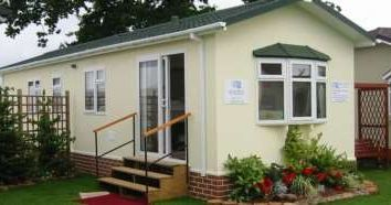 Thumbnail 2 bed mobile/park home for sale in Middleview Drive, Surrey Hills Park, Normandy, Guildford