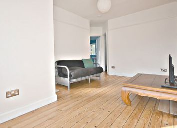 Thumbnail 1 bed flat to rent in Wiltshire Avenue, Farnham Royal, Slough
