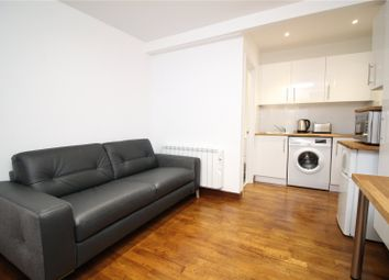 Thumbnail Studio to rent in Heddon Road, Cockfosters, Barnet